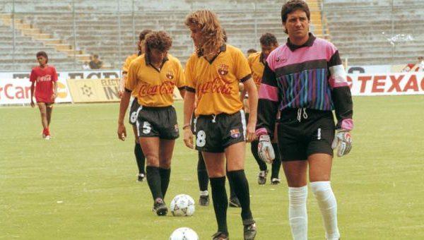 Los clubes del fútbol ecuatoriano lamentaron la muerte del exgolero Carlos Luis Morales