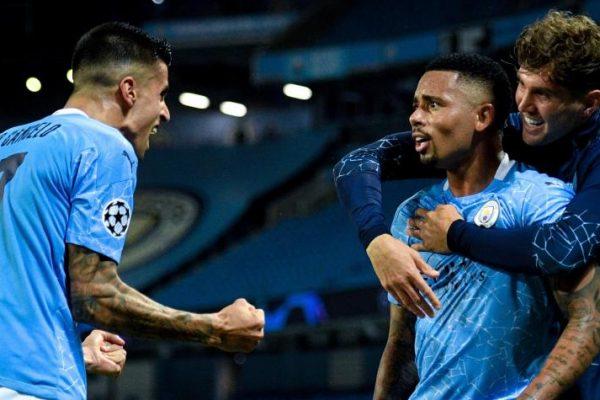 Manchester City aprovechó la horrible noche de Varane