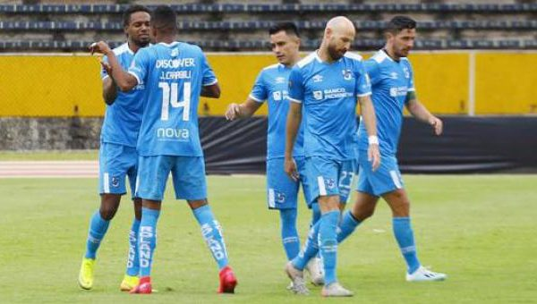 Universidad Católica venció a Olmedo y espera un traspié de Liga de Quito